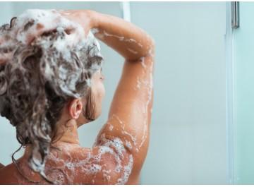Není mytí jako mytí: Desatero správného mytí vlasů